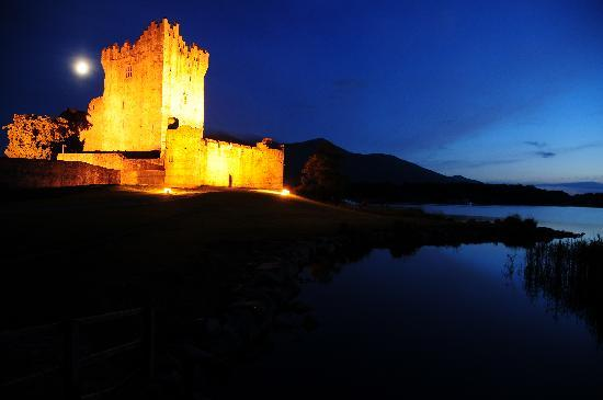 Ross Castle at night