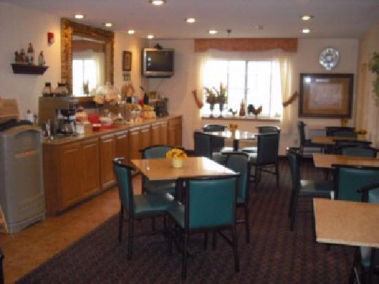 BEST WESTERN J. C. Inn: Breakfast  Room