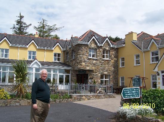 Dan O'Hara's Homestead Farm: Outside of motel