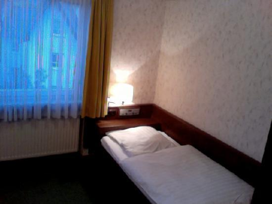 Hotel-Restaurant Weinhaus Grebel: Weinhaus Grebel single bedroom