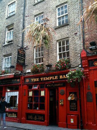 Dublin, Ireland: Pub im Temple Sitrict