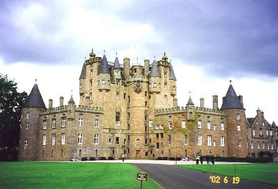‪‪Glamis‬, UK: Glamis Castle 2002a‬