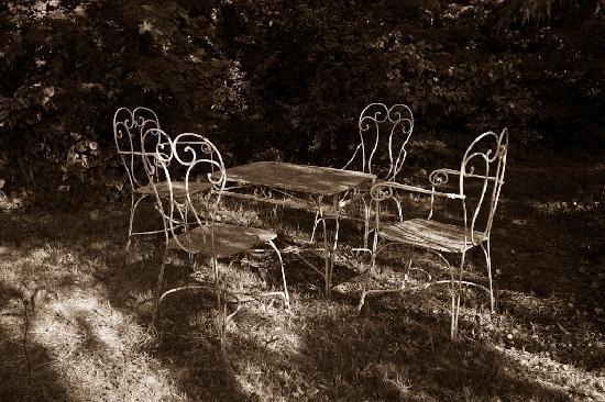 Tischgruppe Im Garten Picture Of Mas De La Chapelle Arles