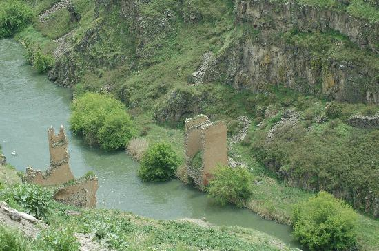 Ani Ruins: Bridge on silk road - between current Tureky and Armenia