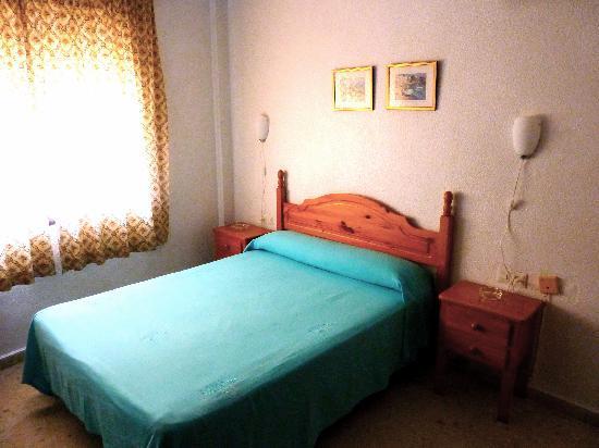 Hostal Versalles: Habitación de matrimonio