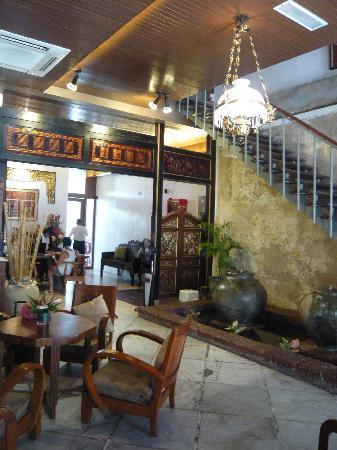 Courtyard @ Heeren Boutique Hotel: Reception