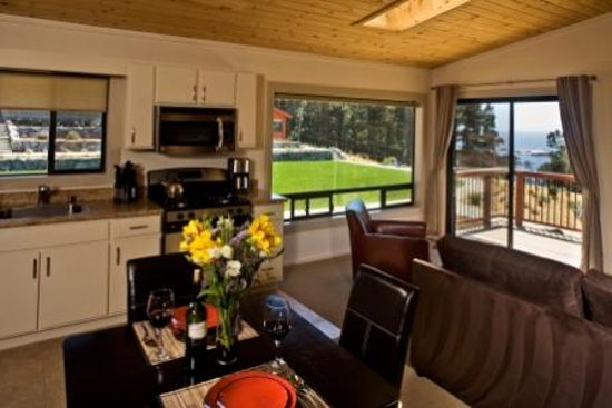 Cottages at Little River Cove : Luxury Ocean View Cottages