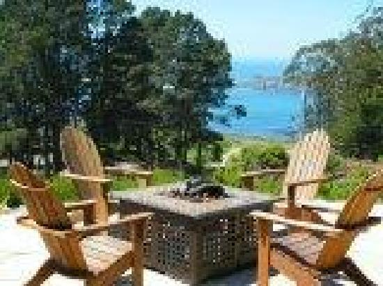 Cottages at Little River Cove : Outdoor Fireplace on Ocean View Patio