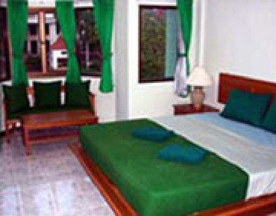Green Island Guest House: double room