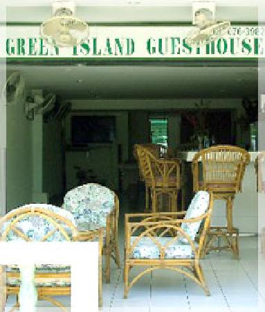 Green Island Guest House: front off hotel