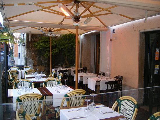 La Scala in Trastevere: Great Outdoor seating!