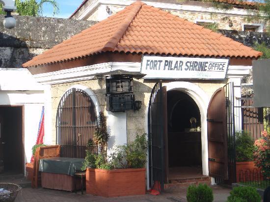 Fort Pilar : shrine office