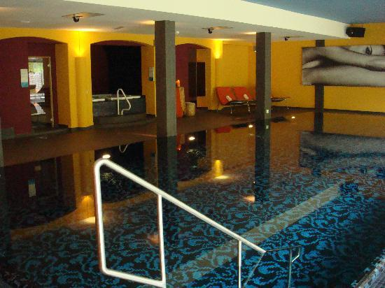 Hotel Walliserhof im Brandnertal: Pool