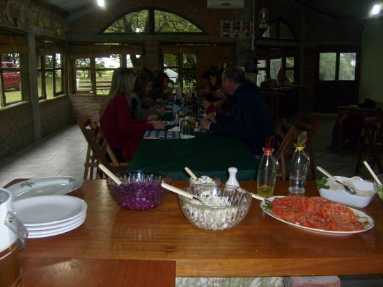 Villa Celina Turismo Rural: Dentro del salon