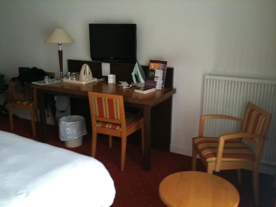 Inter Hotel Tulle Centre : room