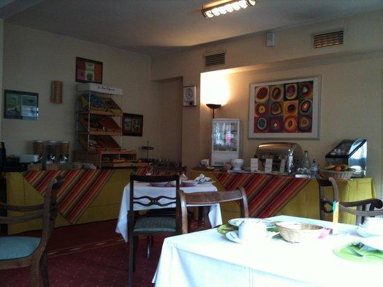 Inter Hotel Tulle Centre : breakfast room