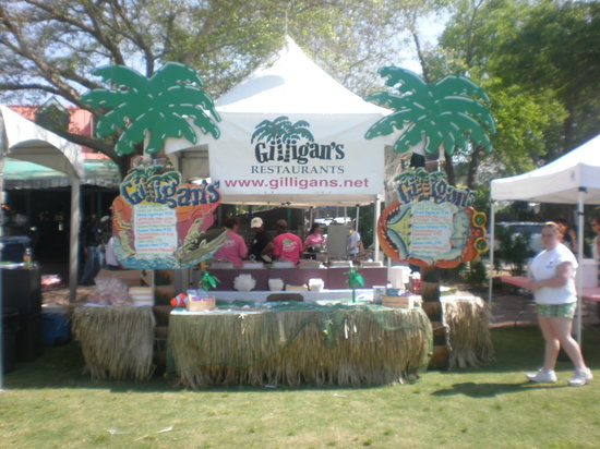 Gilligan's Steamer & Raw Bar: Gilligan's @ the Taste of Beaufort