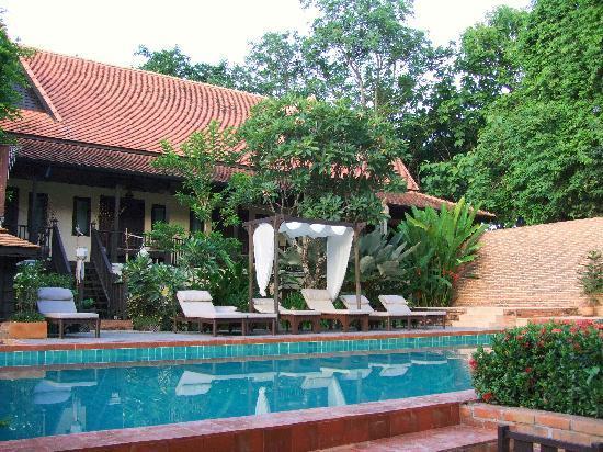 B2 Ayatana Premier Hotel & Resort: pool