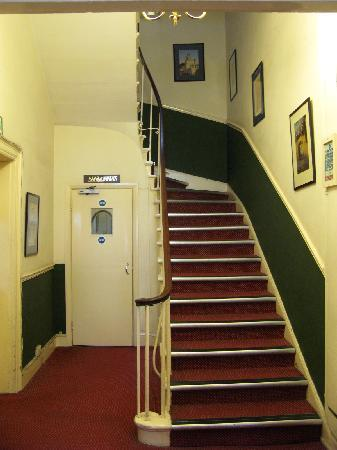 Pickwick Hall: Stairs and foyer