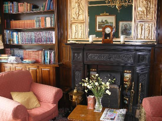 The Sandy Duck: THE SITTING ROOM