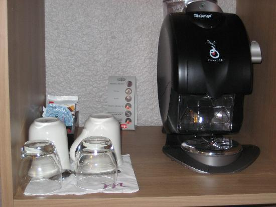 Mercure Angers Centre : Coffee machine