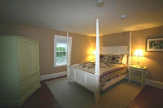 Ballard House Inn: Squam Room