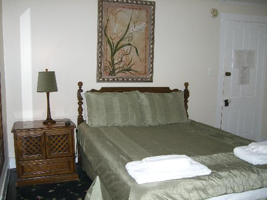 Grassmere Inn Bed and Breakfast: Room 8
