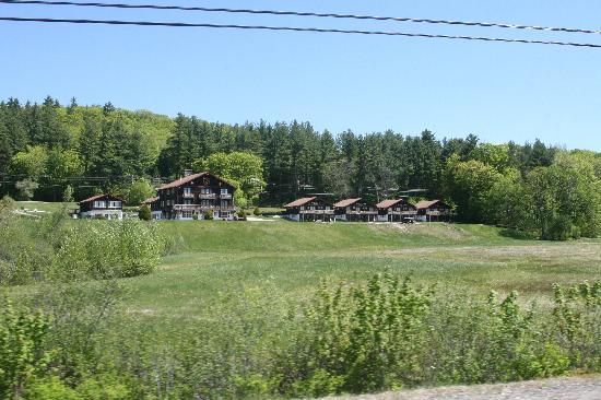 Swiss Chalets Village Inn照片