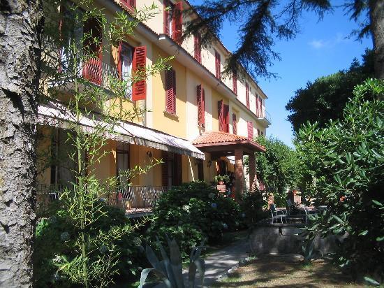 Санта-Агата-суи-Дуи-Гольфи, Италия: Hotel Delle Palme