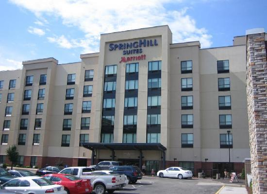 SpringHill Suites St. Louis Brentwood : Exterior