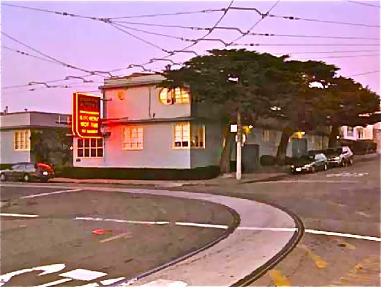 The streetcar line goes right by the 'Ocean Park Motel'