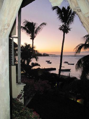 วีรันดา พอล เอต์ เวอร์จินี โฮเต็ล แอนด์ สปา: Beautiful sunset