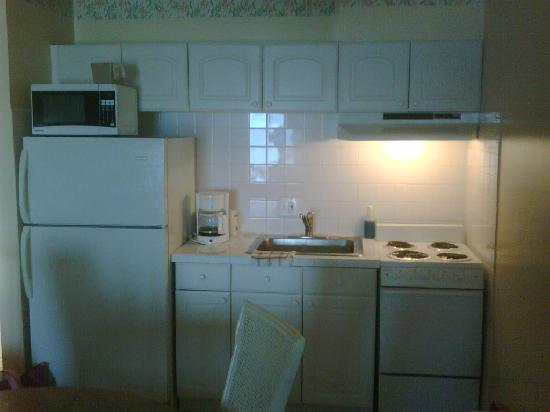 Belleair Beach Resort: kitchen