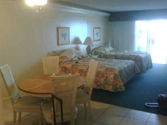 Belleair Beach Resort: another view of the room