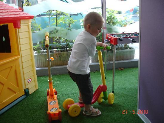 Hotel Nuovo Giardino: Playground in the hotel