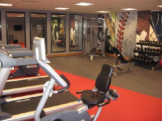 Residence Inn Bridgewater Branchburg: Gym open 24/7 - good equipment!