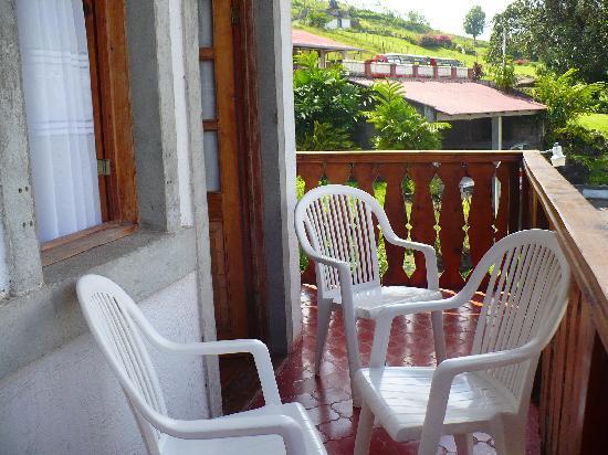 Hotel Los Heroes: Balcón de la habitación