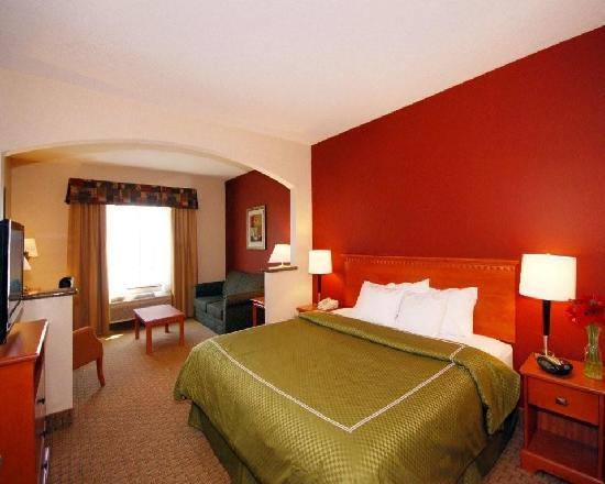 Comfort Suites Redmond Airport: King Suite
