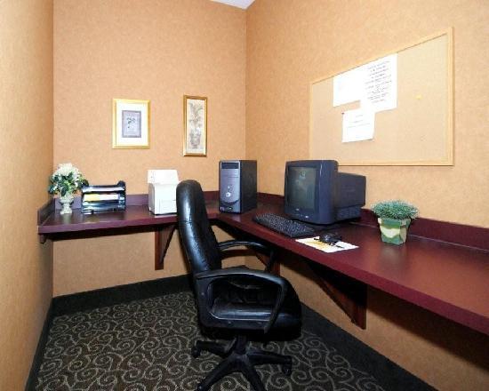 Comfort Suites Redmond Airport: Business Center