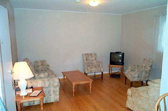 Margaree Riverview Inn: Junior Suite, Living room