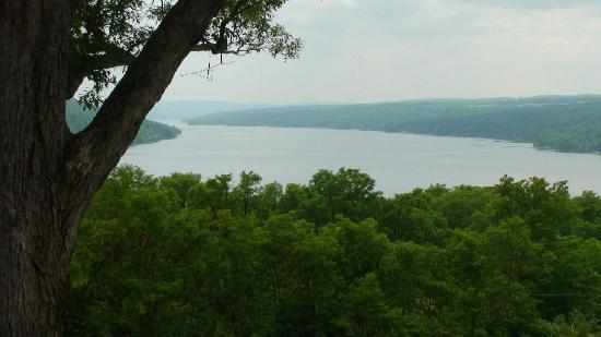 Country Comforts Bed and Breakfast: Keuka Lake view from Esperanza House