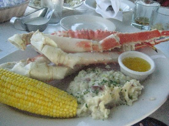 Homewood Suites by Hilton Wilmington/Mayfaire: Enjoying King Crab on the Pier