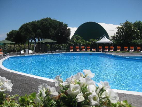 Ca' del Moro Foresteria: The gorgeous pool area!