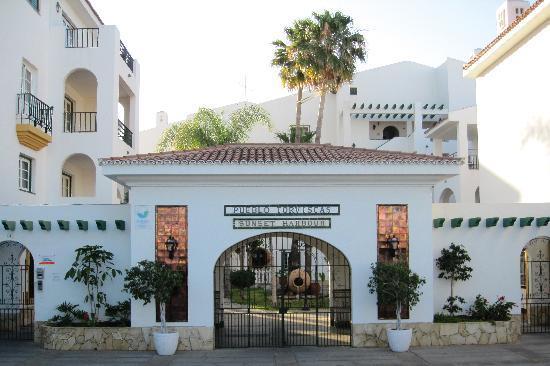 Pueblo Torviscas: Hotel front
