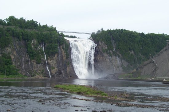 Hotel Le Saint-Paul: Montmorency Falls