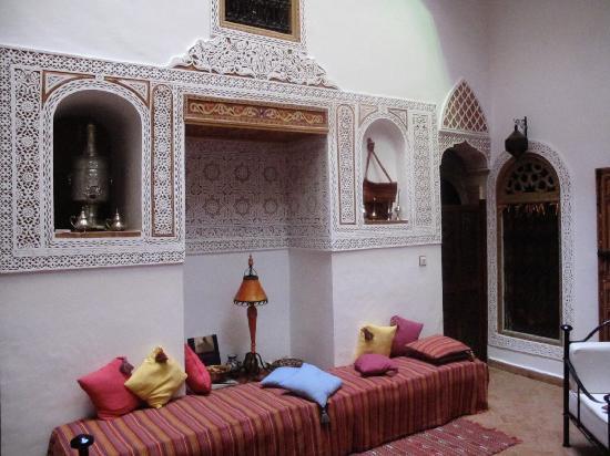 Riad Safir: very traditional salon