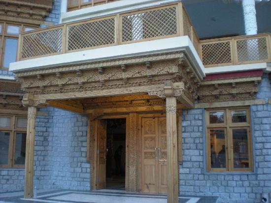 Ladakh Residency: Curvings on the main door