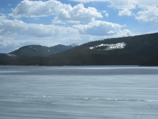 West Yellowstone, MT : Hebgen Lake still frozen in late May