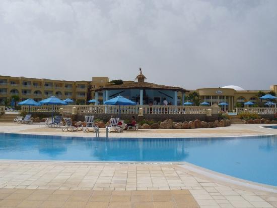 Cap-Bon Kelibia Beach Hotel & Spa: bar piscina