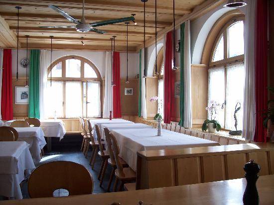 Charming restaurant at the Hotel Alpsu